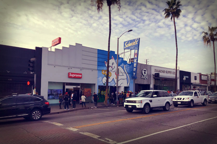 Fairfax Avenue Streetwear Los Angeles - Supreme